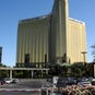 mandalay-bay-resort-and-casino-building-attractions-photo-1